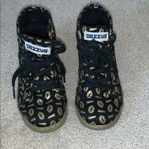 Dezzy's Hightop Sneakers Black & Gold Lip Size 13